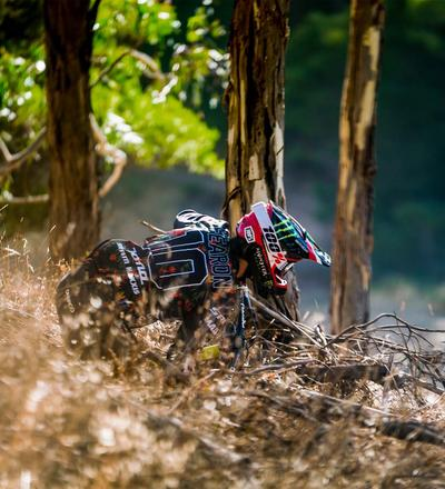 DHaRCO MTB | Mens LS Jersey Gravity Tropical | In action