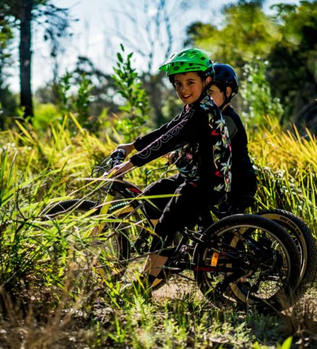 DHaRCO MTB | Youth LS Shirt Party | Side