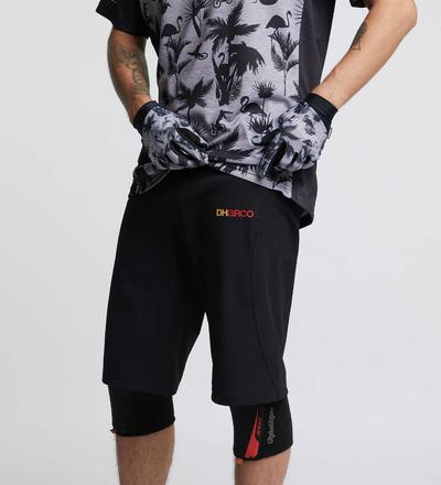 DHaRCO MTB | Mens Gravity Shorts | Black | Front